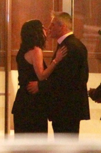 courteney-cox-matt-leblanc-kiss.jpg