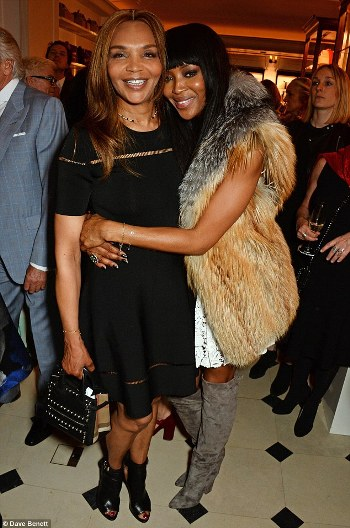 334E62E000000578-3546431-Her_big_night_at_she_attended_the_launch_of_her_book_in_London_o-m-30_1461007343681_65536.jpg