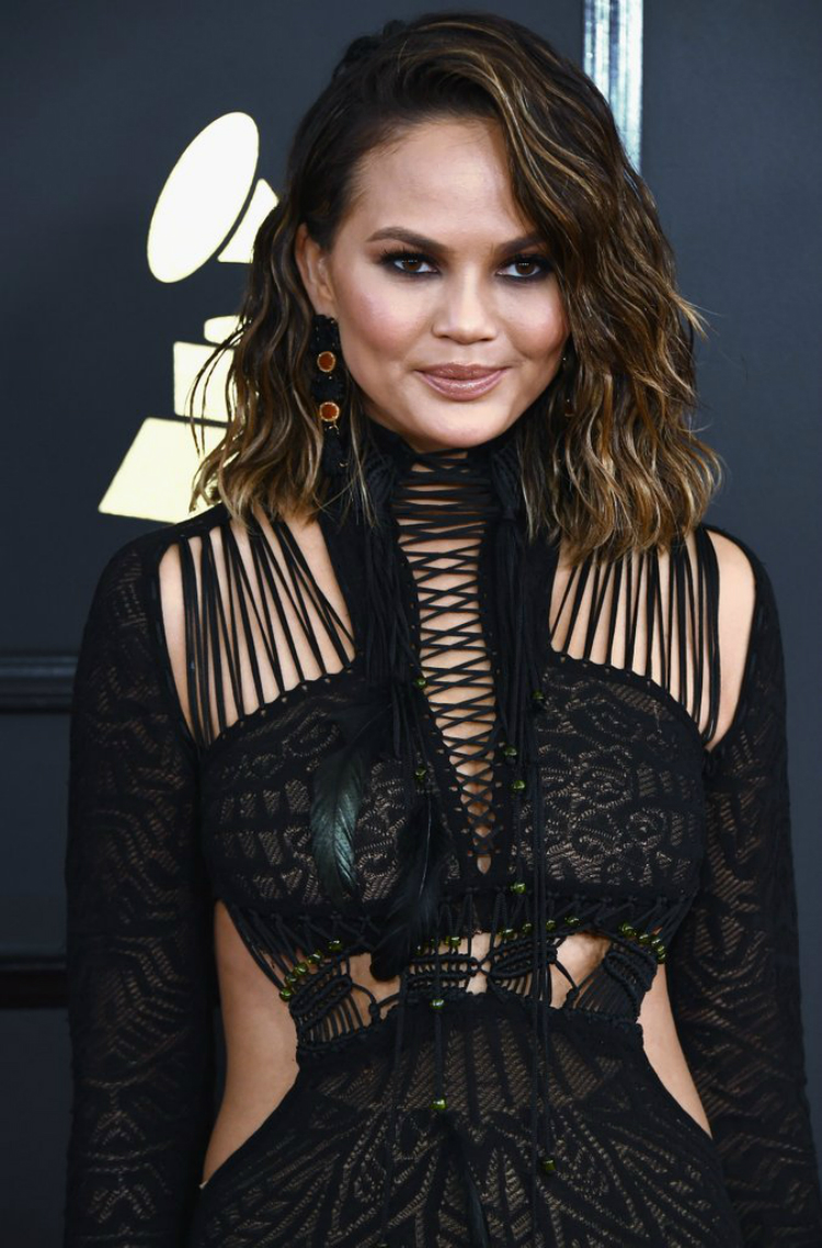 2017-grammys-beauty-looks-08.jpg