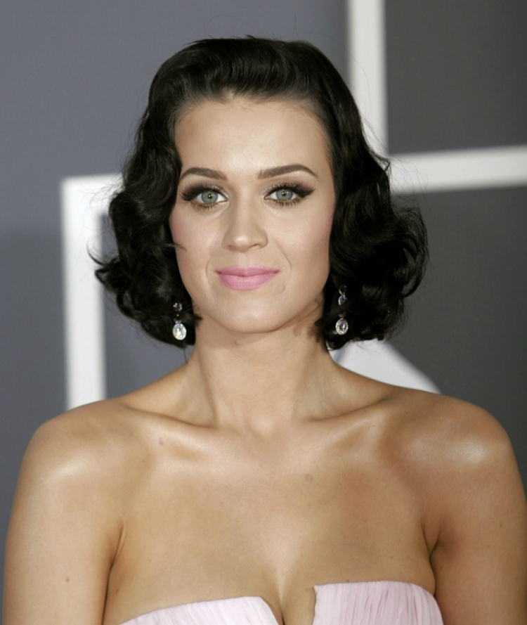 Katy-Perry-Ηairstyles-01.jpg