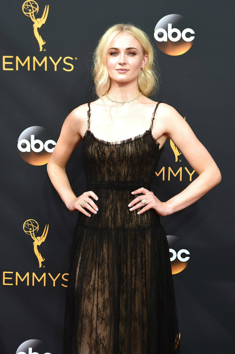 best-beauty-at-the-emmys-2016-02.jpg