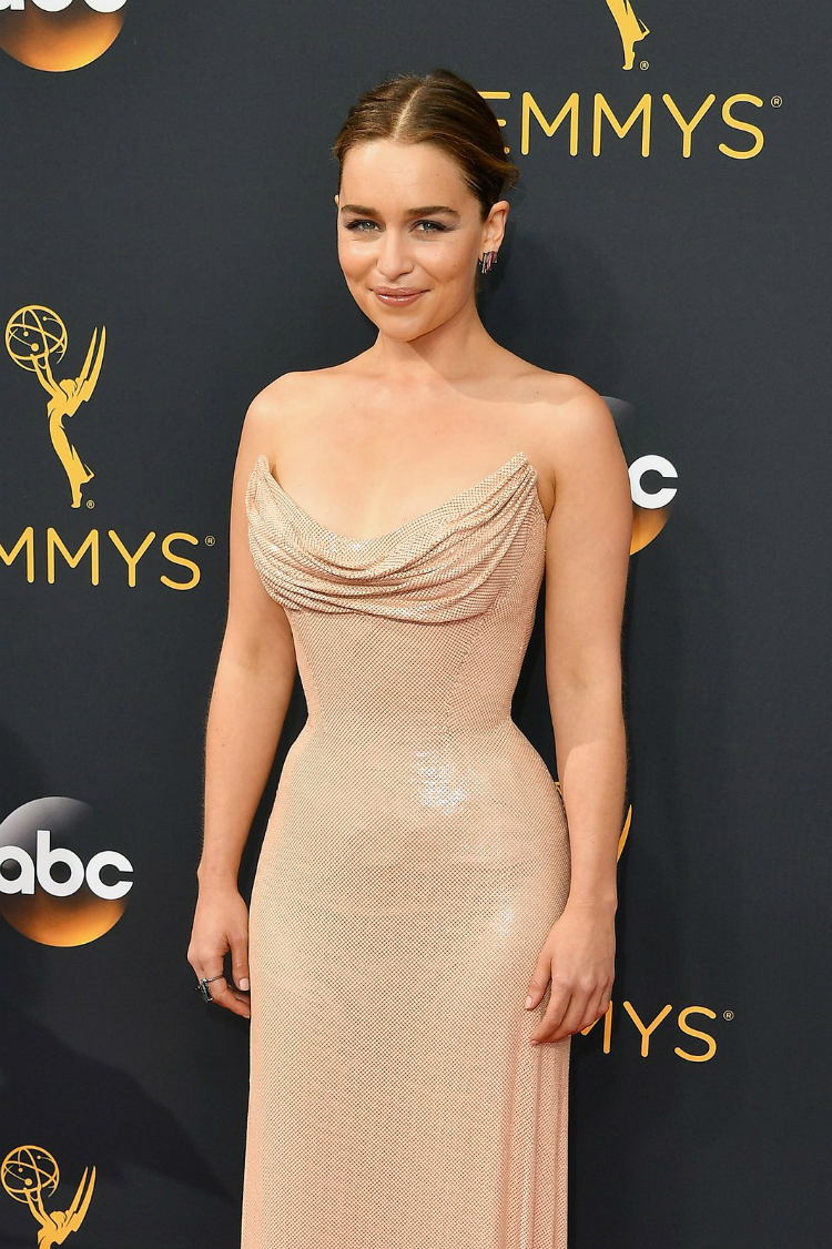 best-beauty-at-the-emmys-2016-04.jpg