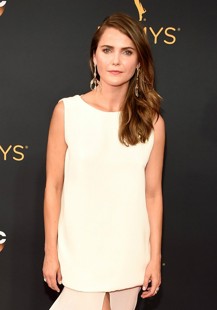 best-beauty-at-the-emmys-2016-08.jpg