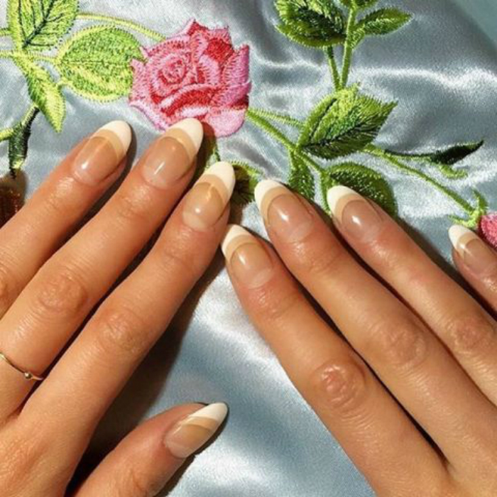 5frenchmanicure-makeovers-01.jpg