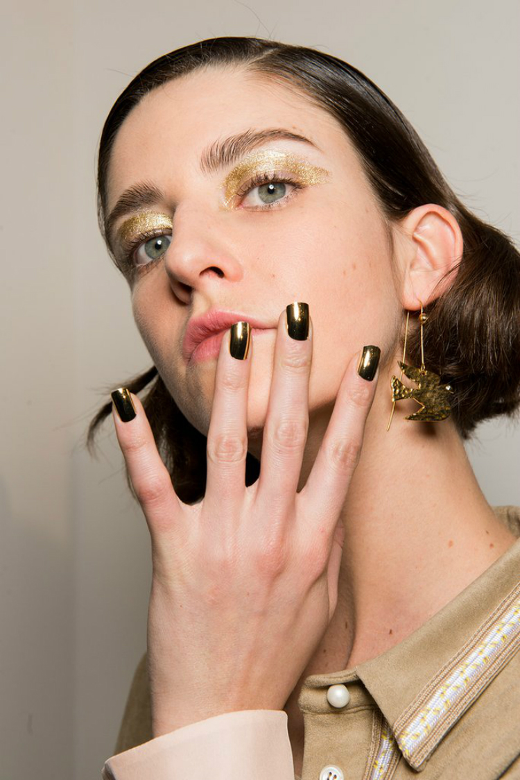 7incredible-manicures-pfw-fw1718-07.jpg