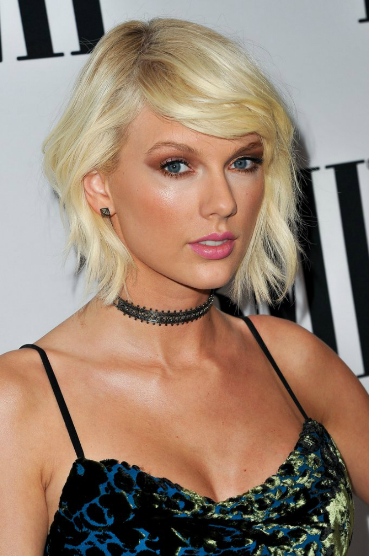 7celebs_withplatinumhair_05.jpg