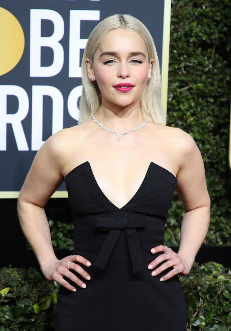 10womenatthegoldenglobes_with_statement_lips_01.jpg