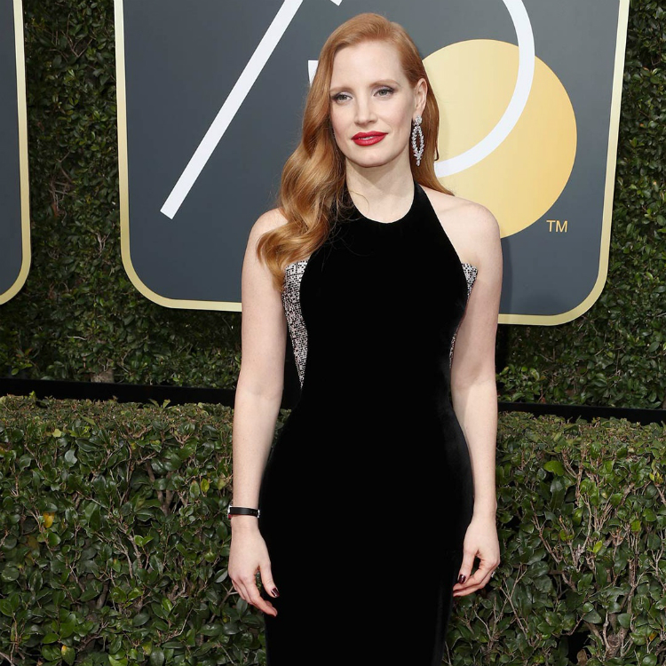 10womenatthegoldenglobes_with_statement_lips_02.jpg