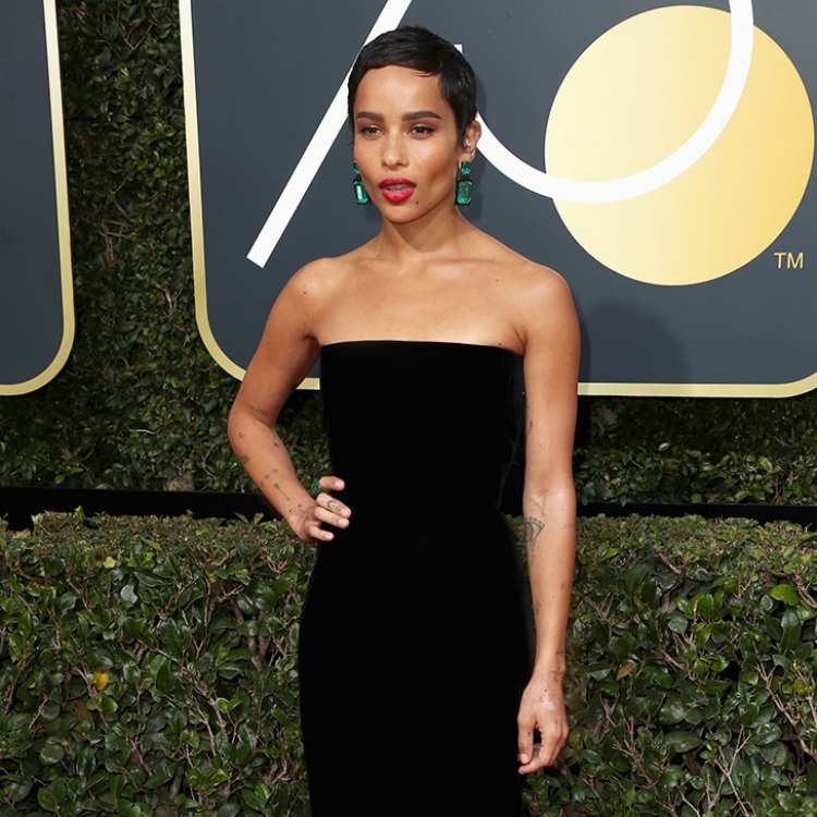 10womenatthegoldenglobes_with_statement_lips_03.jpg