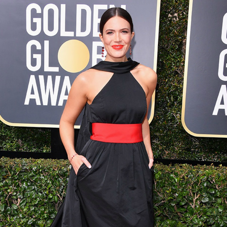 10womenatthegoldenglobes_with_statement_lips_08.jpg
