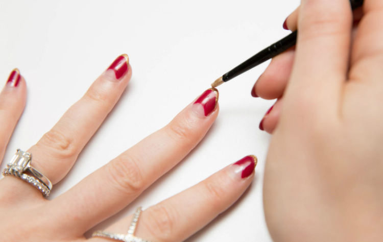tips4shellacmanicure-02.jpg