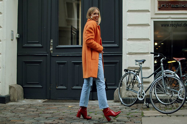 4ways2wear-red-boots-01.jpg