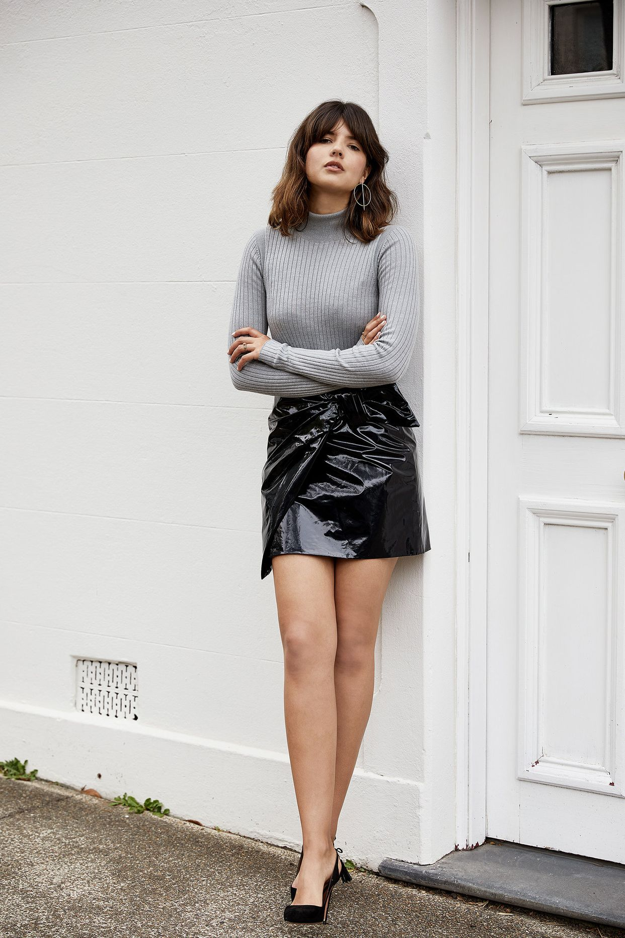 4waystowear-a-patent-leather-skirt-01.jpg