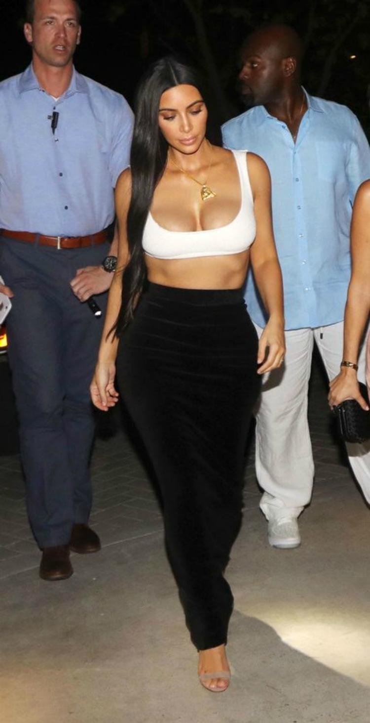 bikinitops_trends_celebs_06.jpg