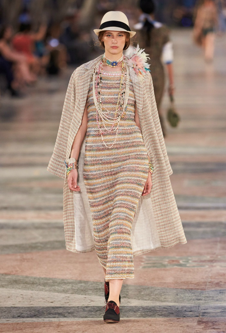 Chanel-Cruise-2017-Runway-Show34.jpg