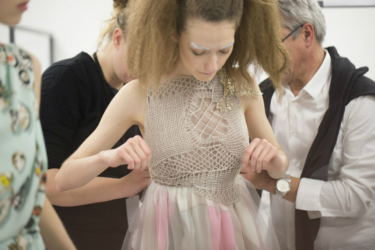 spring-2016-couture-backstage-kevin-tachman-05.jpg