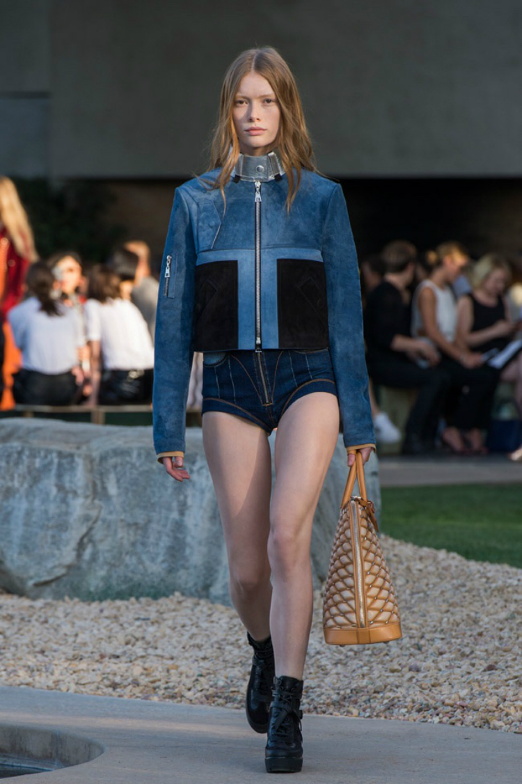 louis-vuitton-palm-springs-07.jpg