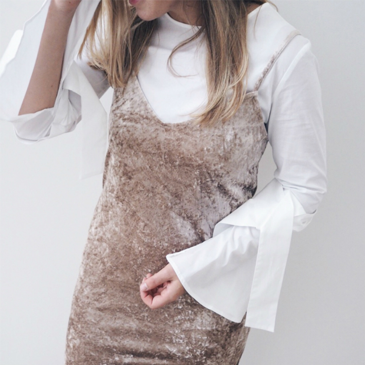 2trends-onelook-velvet-slip-dress-01.jpg