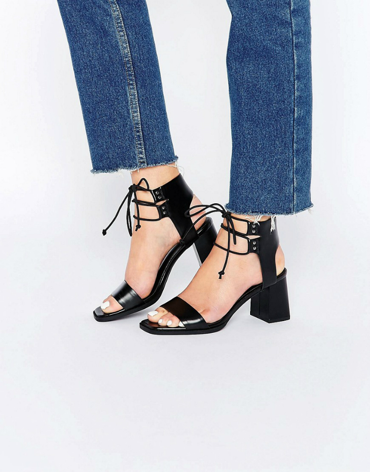 6laceupsandals-04.jpg