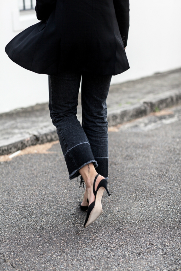 black-outfit-washed-denim-00.jpg