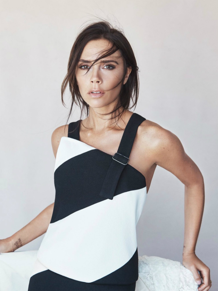 Victoria-Beckham-Vogue-Australia-August-2015-Cover_01.jpg