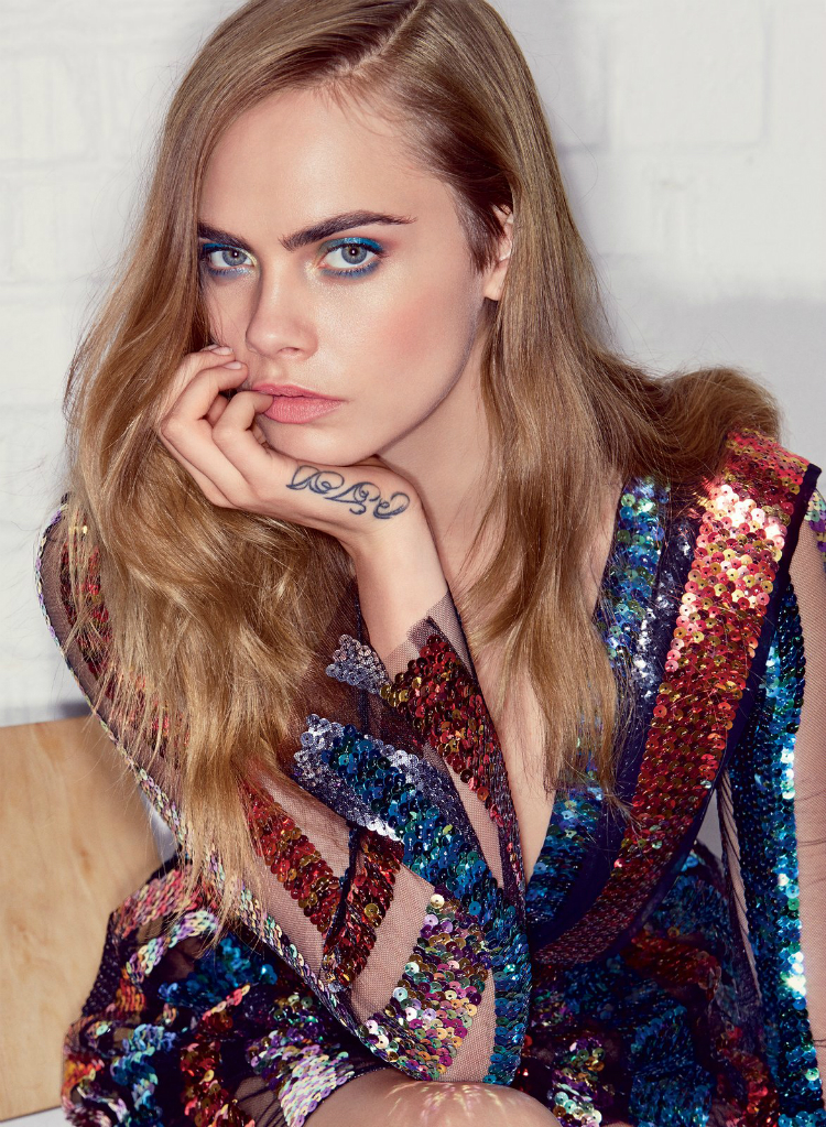 cara-delevingne-vogue-july-2015-01.jpg