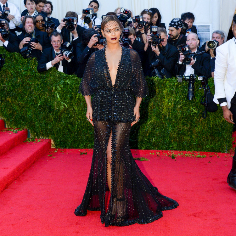 10bey-stunning-outfits-05.jpg