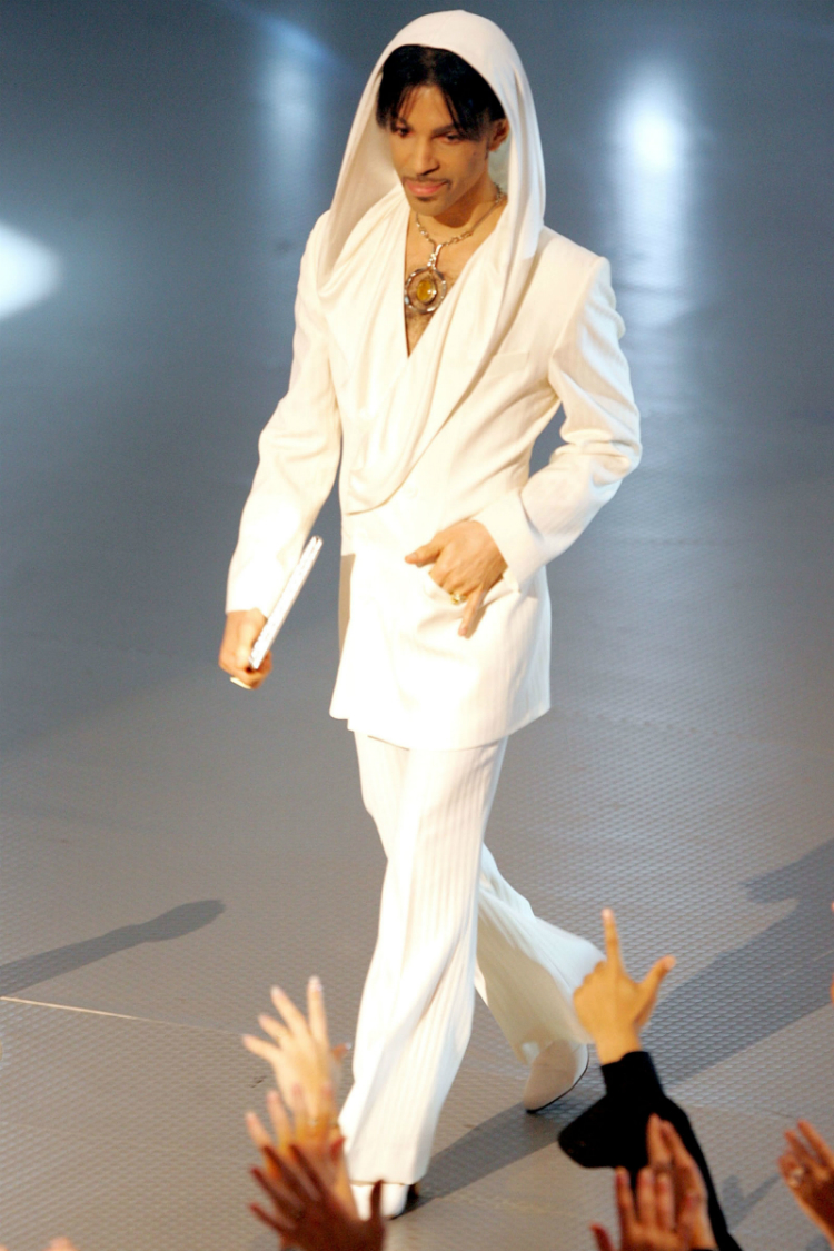 10prince-best-outfits-09.jpg