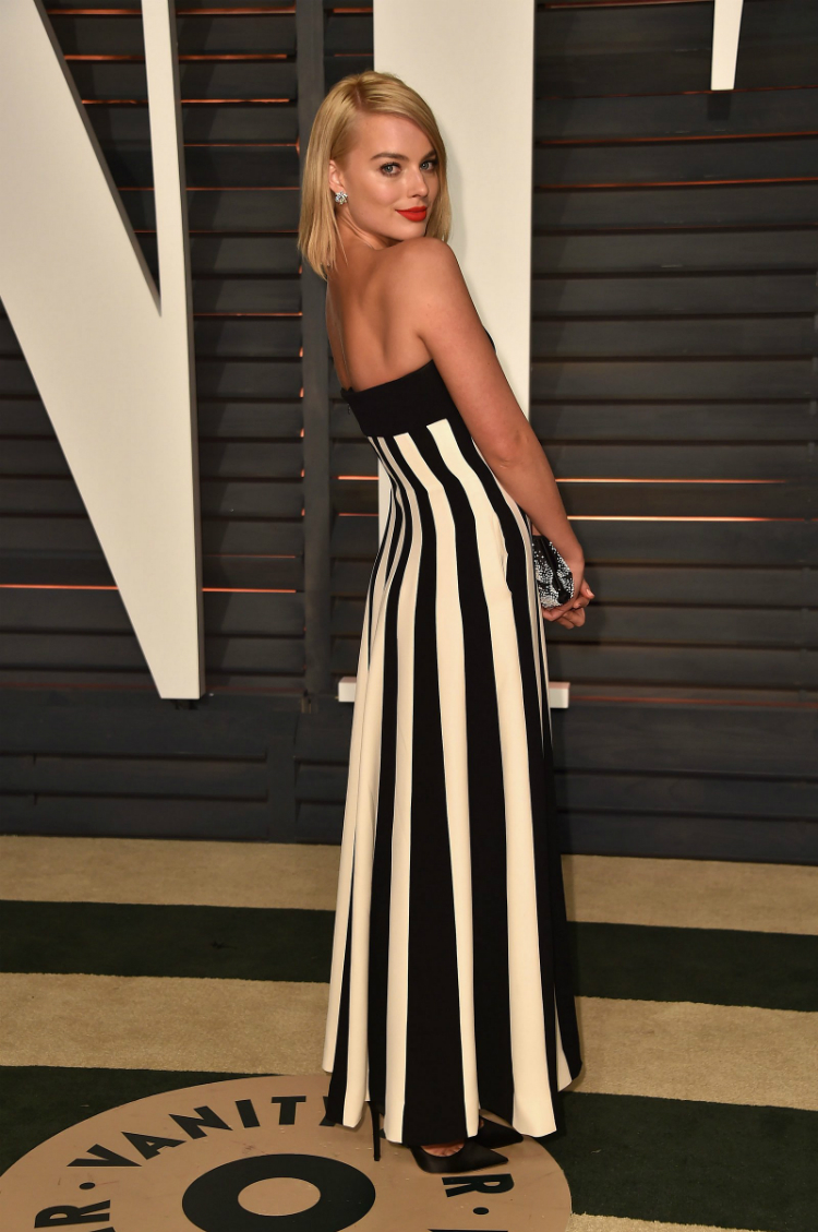 9margot-robbie-best-red-carpet-looks-06.jpg