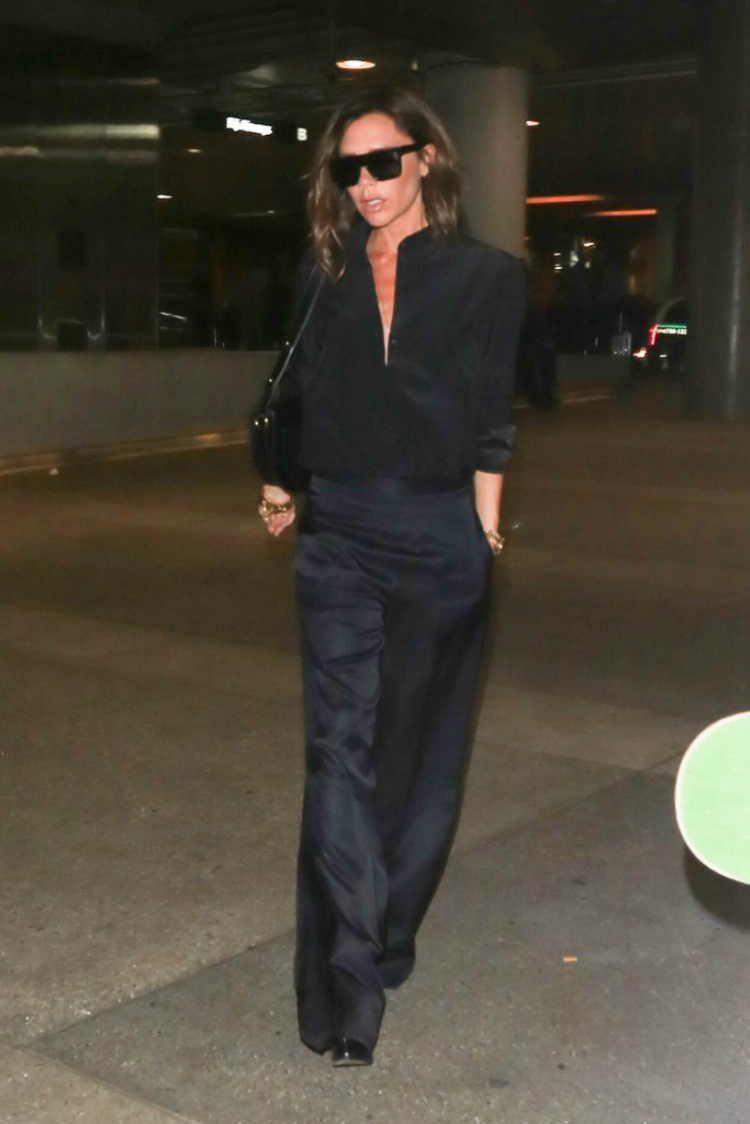 Beckham-Wearing-Silk-Pants-Airport-01.jpg