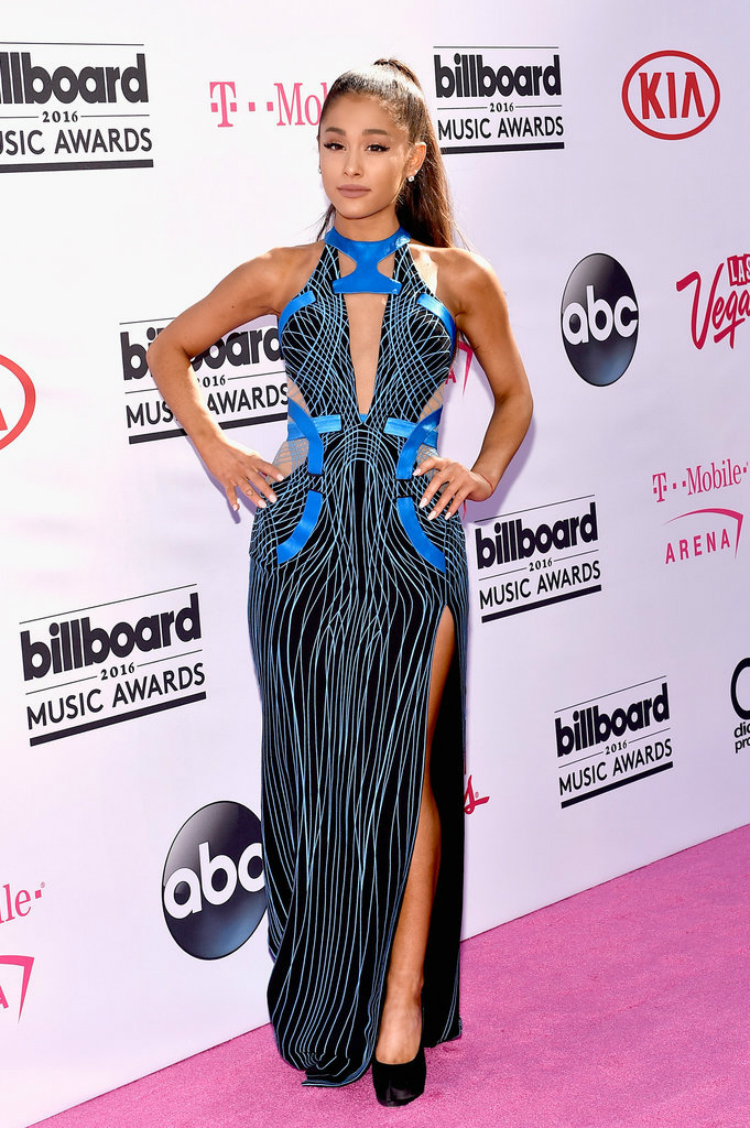 Billboard-Music-Awards-Red-Carpet-Dresses-2016-06.jpg