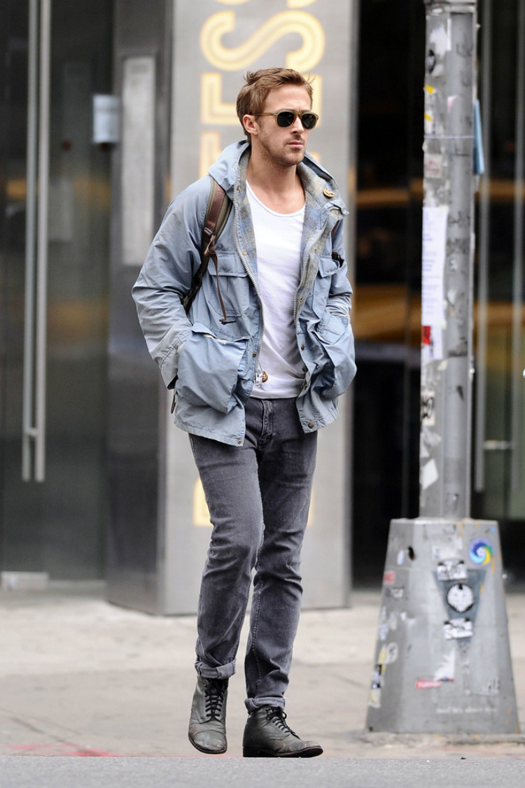 Ryan+Gosling+sets+out+Soho+solo+New+York+City+suVmnAYlzAjx.jpg