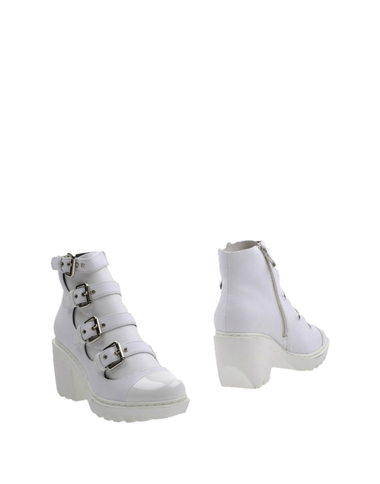 ankle-boots-white-kendall-jenner-05.jpg