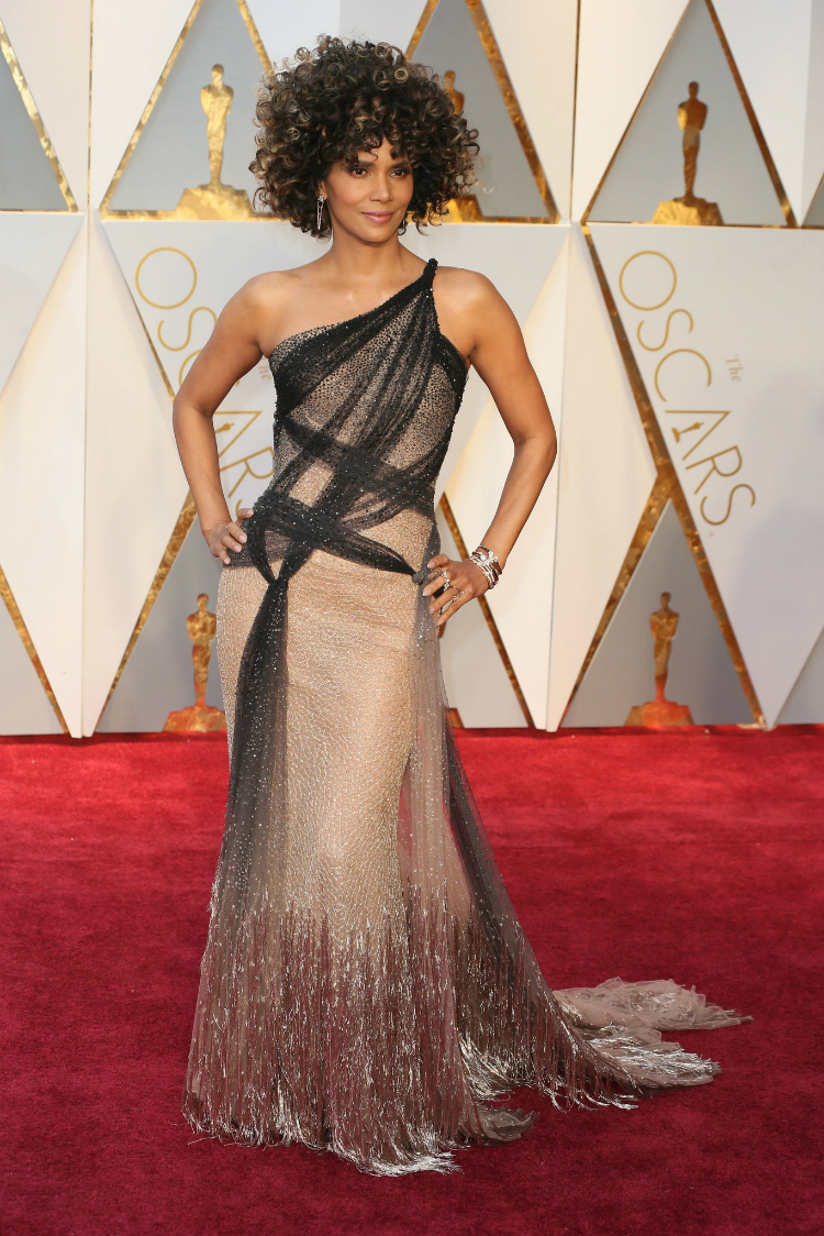 2017oscars-red-carpet-16.jpg