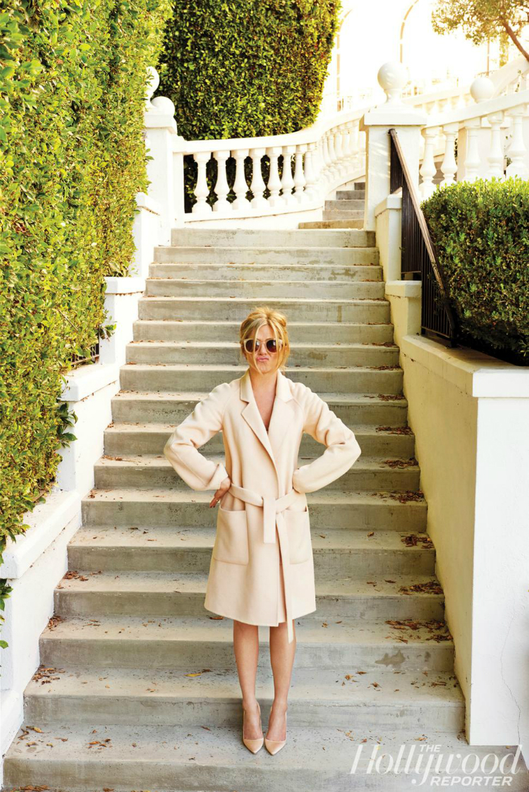 jennifer-aniston-hollywood-reporter-january-2015-photos6.jpg