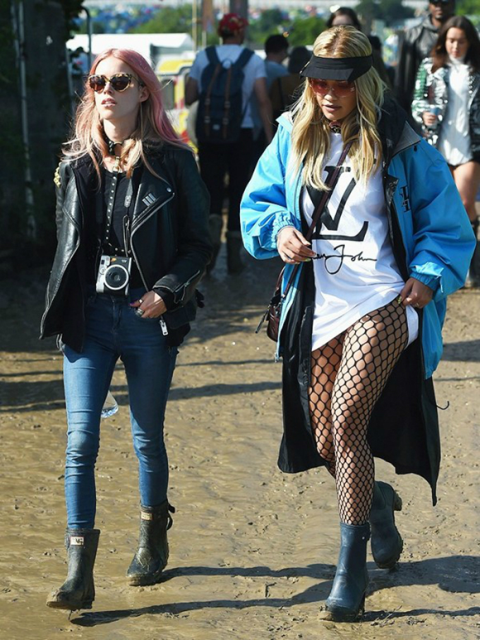 glasto-2016-dressed-normally-02.jpg