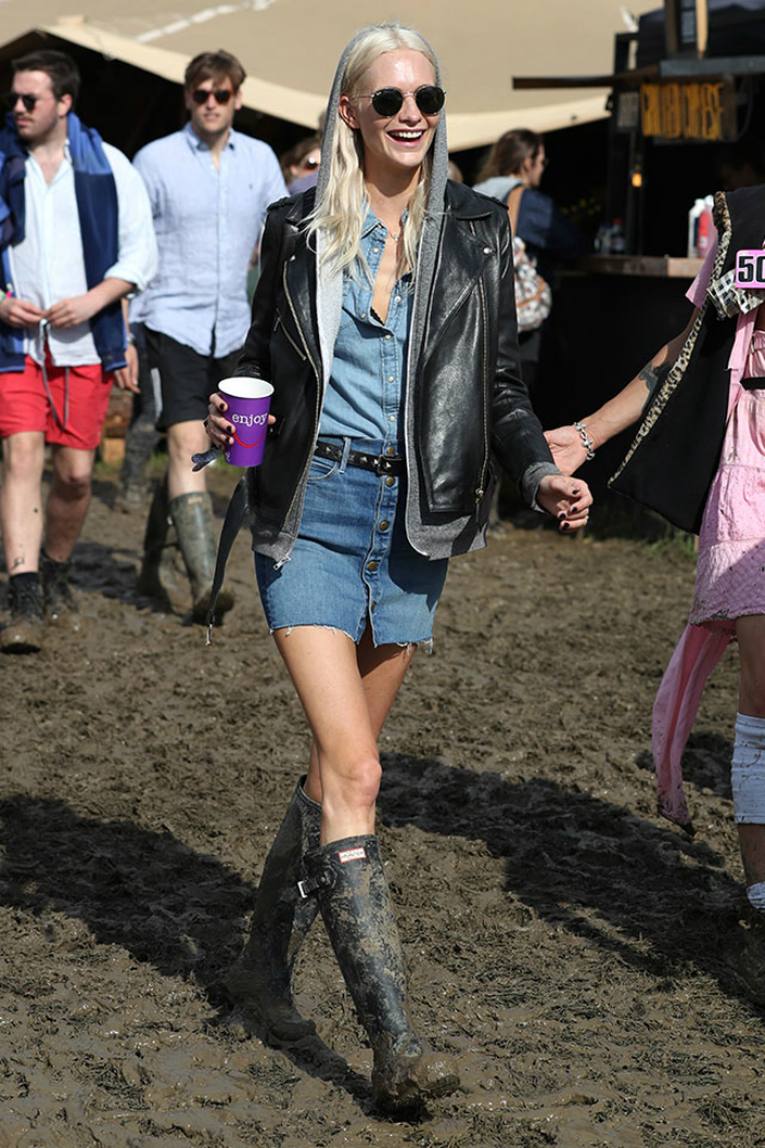glasto-2016-dressed-normally-08.jpg