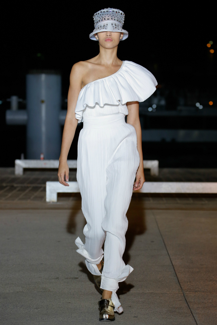 7bridal-jumpsuits-trends-17-03.jpg