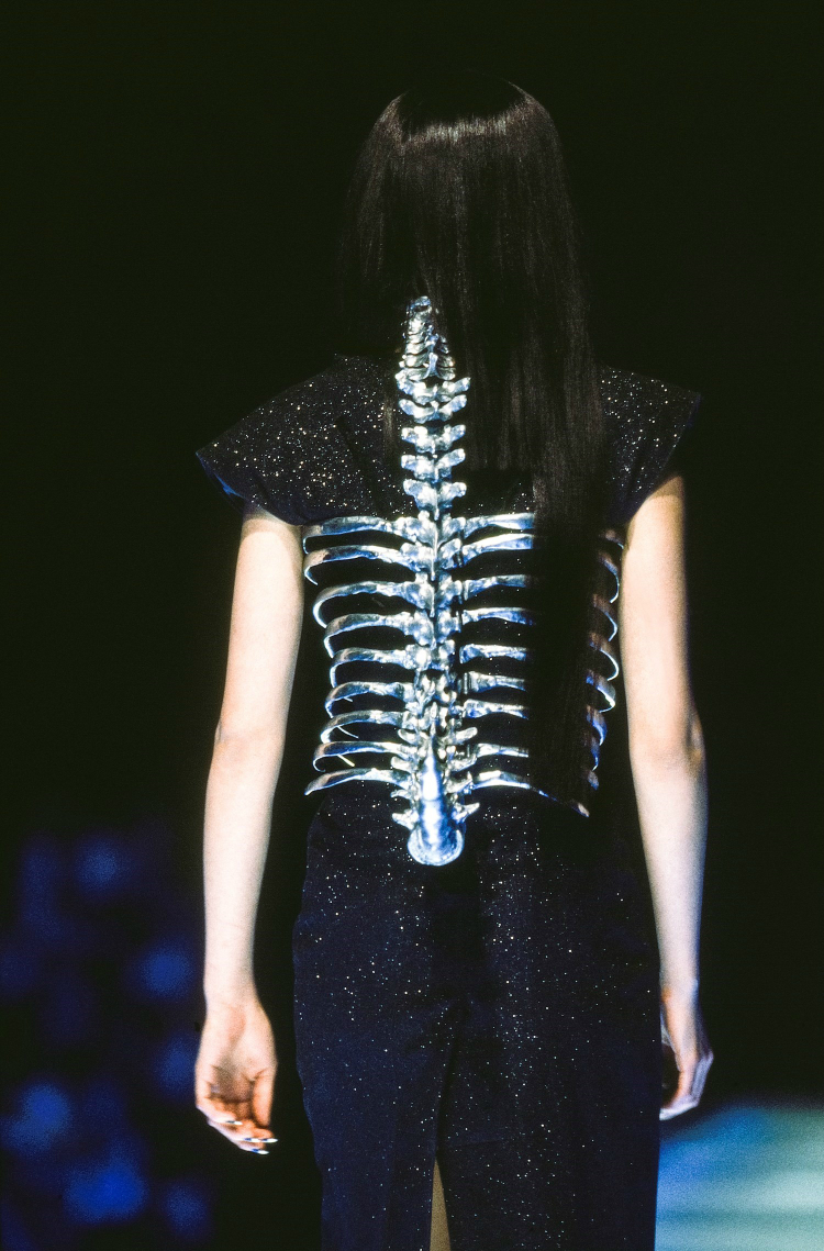 archive_shaunleane_jewerly_mcqueen_03.jpg
