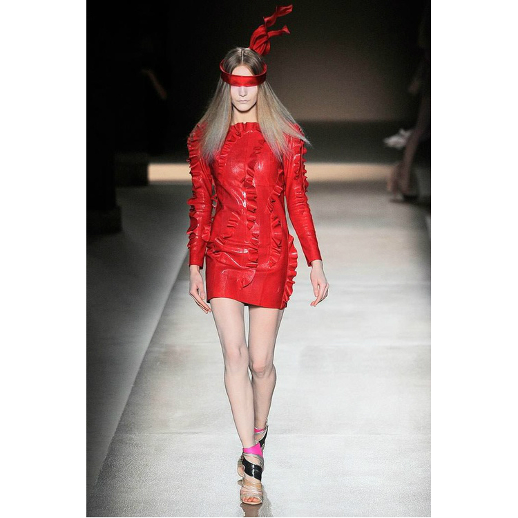 7redclothes_valentino_08.jpg