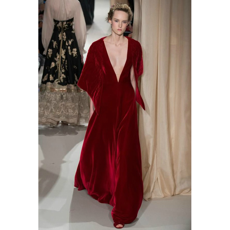 7redclothes_valentino_10.jpg