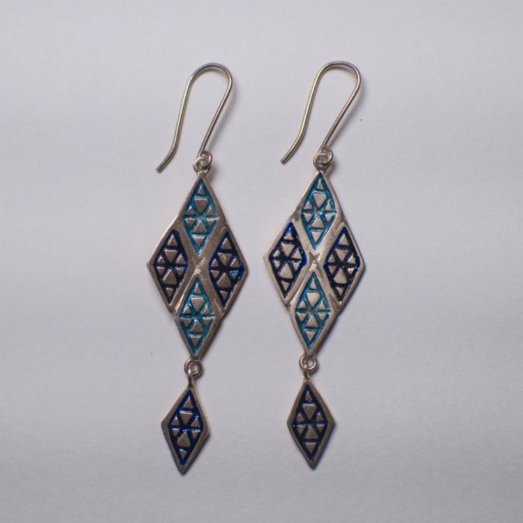 6statement-earrings-trend-ss17-04.jpg