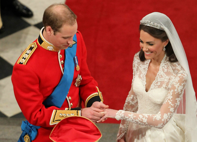 5jewerly_princewilliams_kate_02.jpg