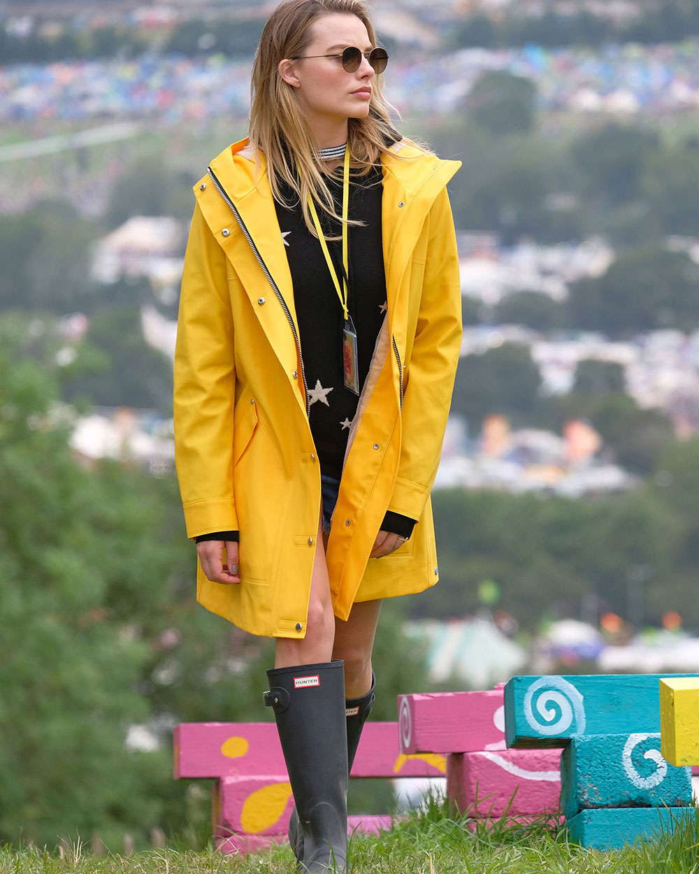 MargotRobbie_Glastonbury_F.jpg