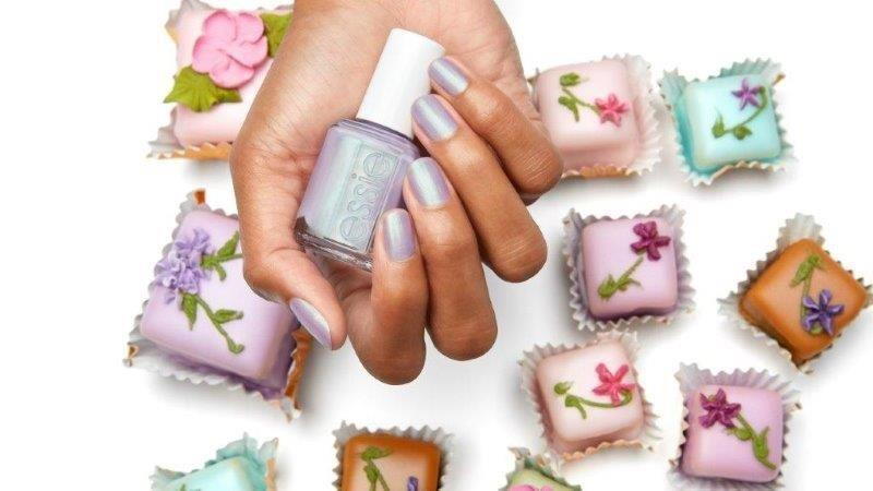 ESSIE-enamel-TiersOfJoy-lifestyle-OnHand-16x9.jpg