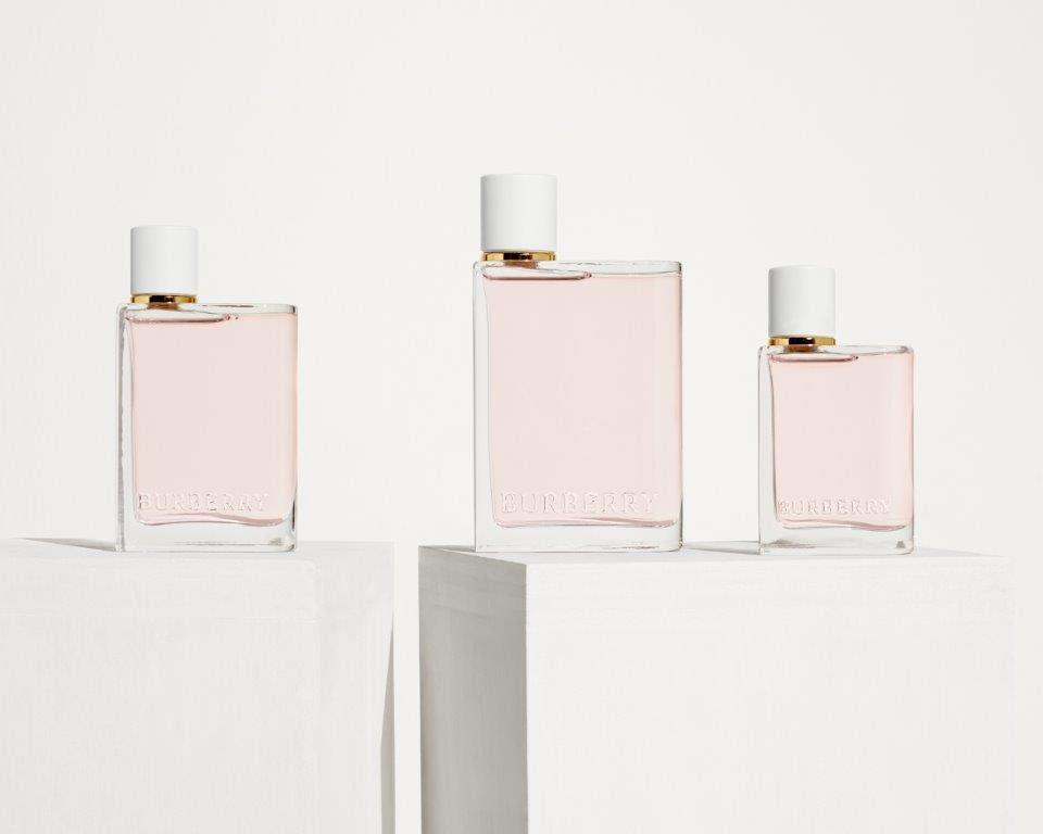 2019_BEAUTY_FRAGRANCE_HER_BLOSSOM_SUPPORTING_HIGH_RES_RGB_CROPPED_19.jpg