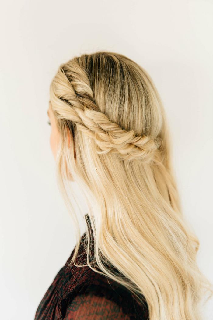 5bridal_hairstyle_trends_18_04.jpg