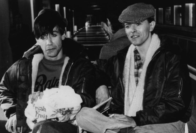 Iggy-Pop-David-Bowie-1977.jpg